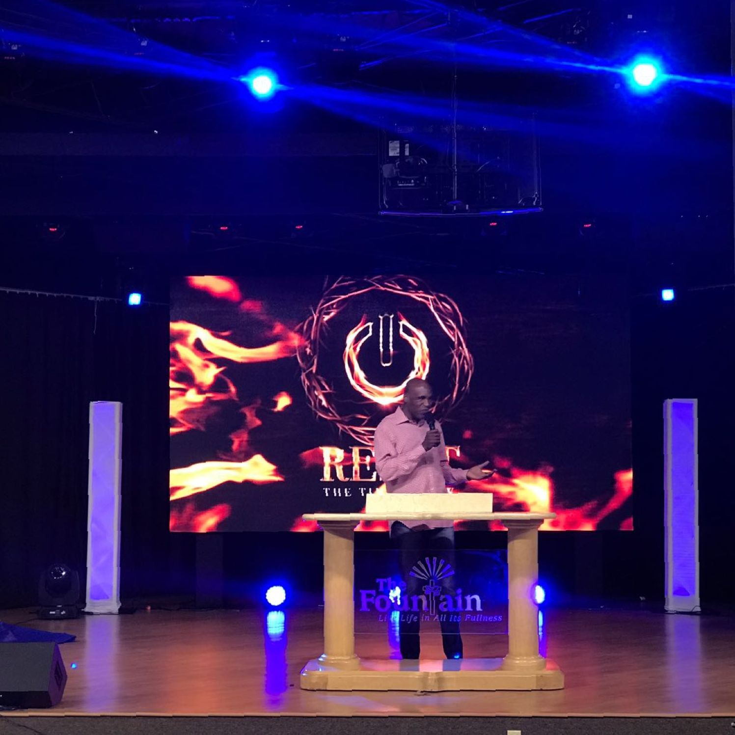 UPGRADE-CHURCH-SERVICES-WITH-LED-SCREENS