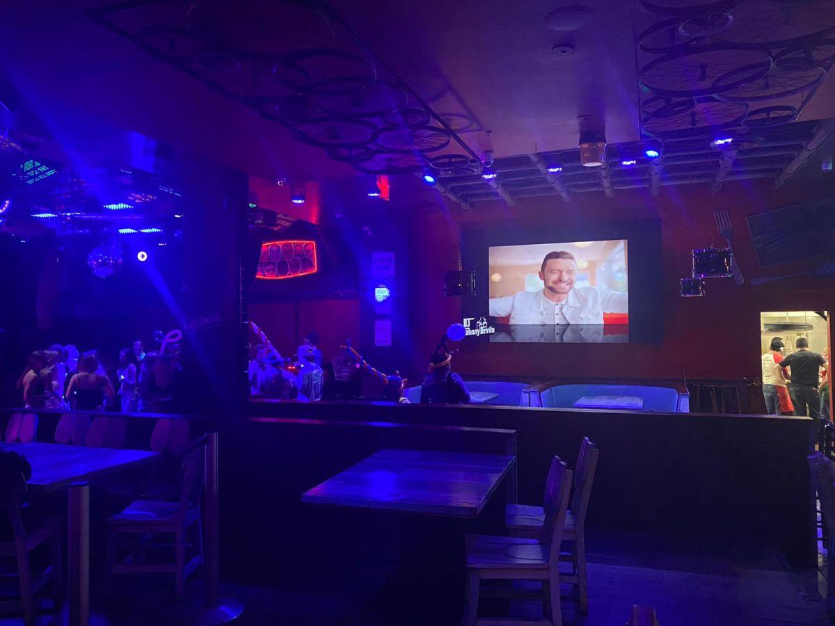 Big-led-screen-for-bar