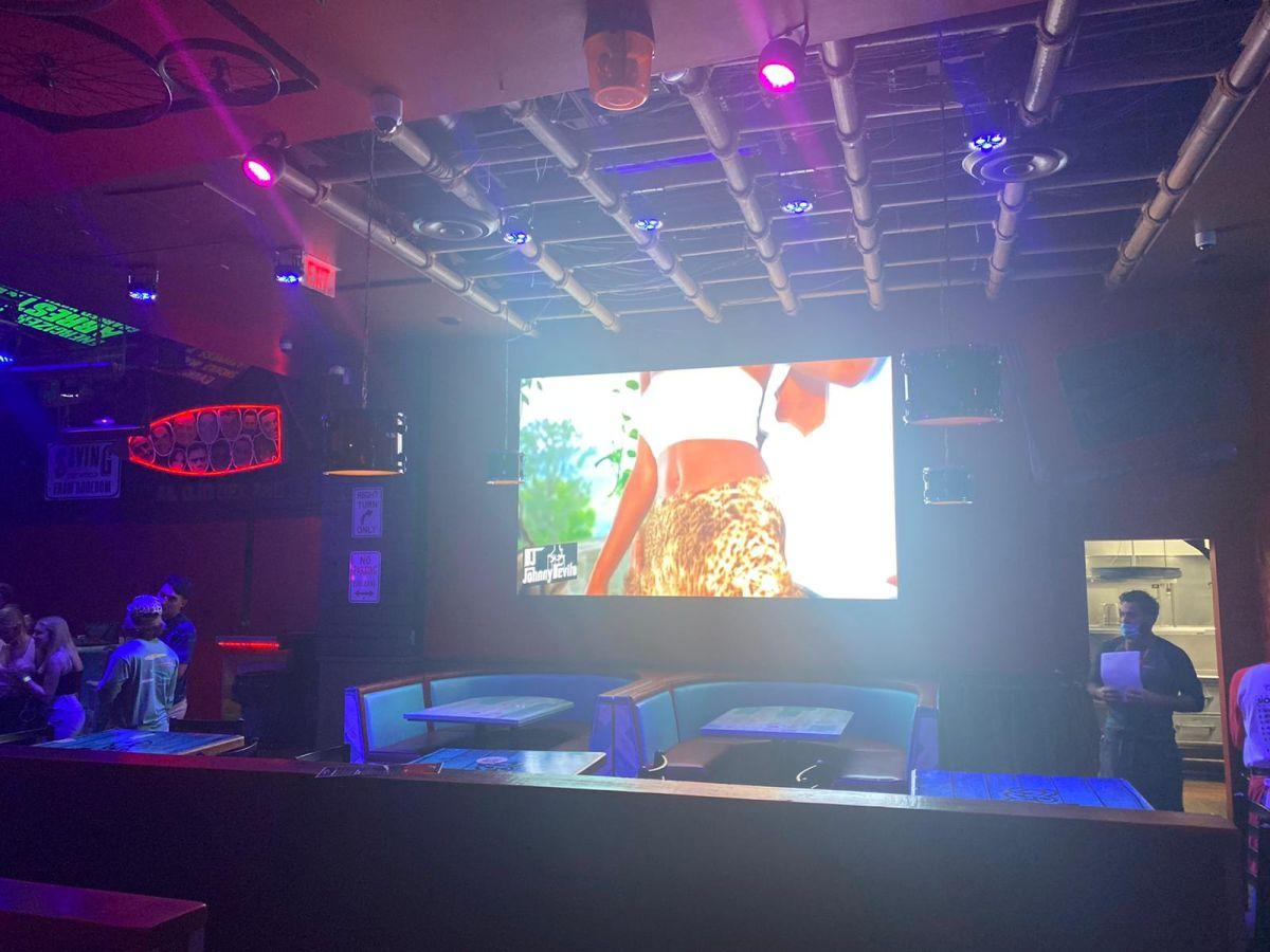 Big-led-screen-for-pub